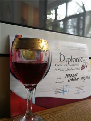 Vin rosu de Vrancea  - imagine 3