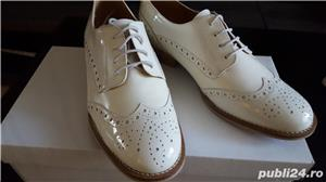 Pantofi piele lacuita - imagine 3