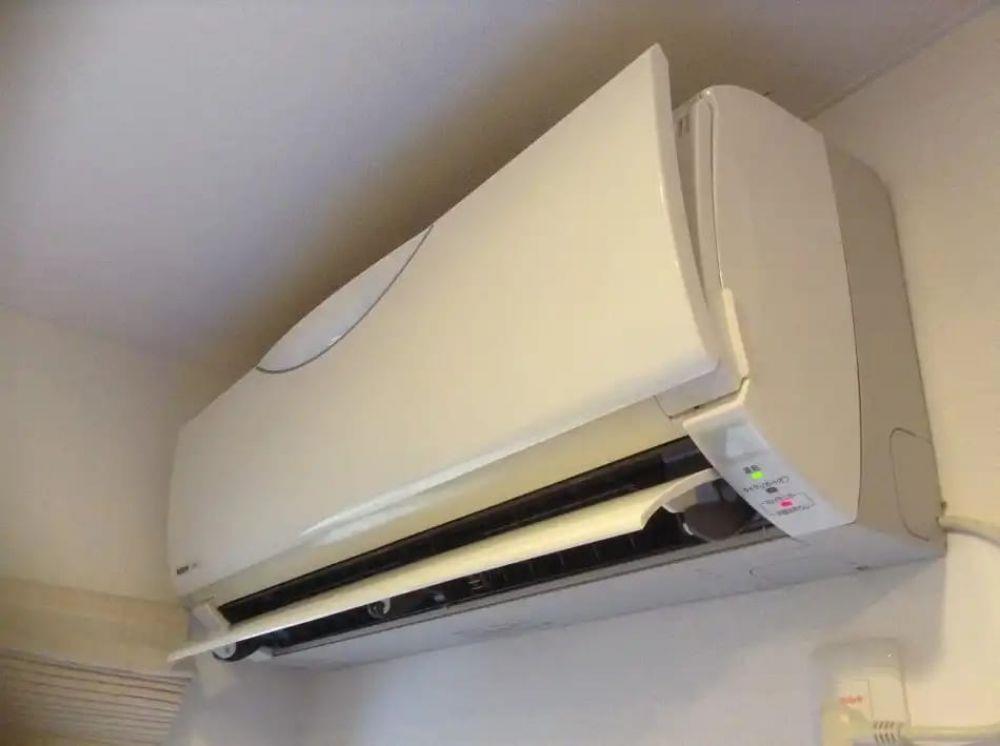 Service Revizie Igienizare Incarcare freon aer conditionat  - imagine 1