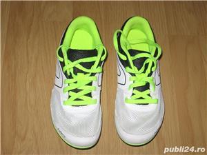 Incaltaminte pentru alergare cu cuie - imagine 1