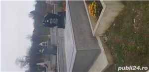Monumente funerare  - imagine 4