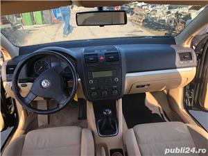 Dezmembrez VW Golf 5 2.0 TDI  - imagine 4