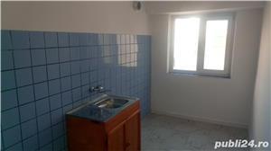 Apartament 3 camere-Harsova-Centru - imagine 10