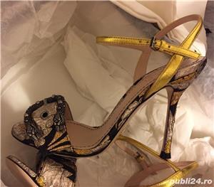 Sandale dama Gucci sandy fllurjacq gold silk,produs original. - imagine 5