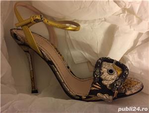 Sandale dama Gucci sandy fllurjacq gold silk,produs original. - imagine 7