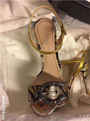 Sandale dama Gucci sandy fllurjacq gold silk,produs original. - imagine 3