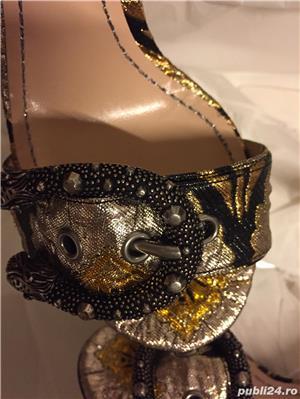 Sandale dama Gucci sandy fllurjacq gold silk,produs original. - imagine 9
