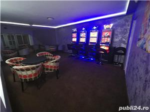 Angajez in zona SAGULUI barman operator pariuri sportive si sloturi  - imagine 1