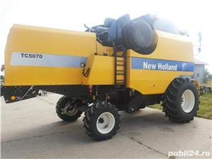 Vând COMBINA NEW HOLLAND TC 5070, cu heder de păioase.  - imagine 6