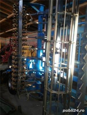 Vând Combinator Farmet, tractat, cu 2 randuri de tavalugi , bara de nivelare, latimea de lucru 4,5 m - imagine 4