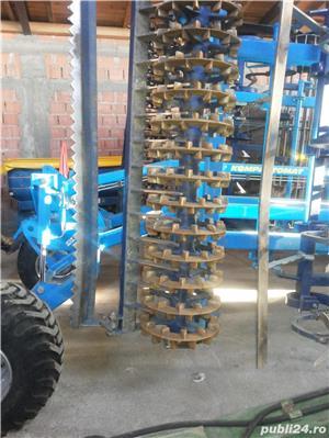 Vând Combinator Farmet, tractat, cu 2 randuri de tavalugi , bara de nivelare, latimea de lucru 4,5 m - imagine 5