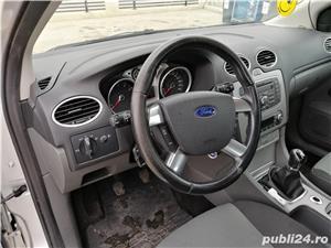 Ford Focus 1.6 benzina - imagine 9