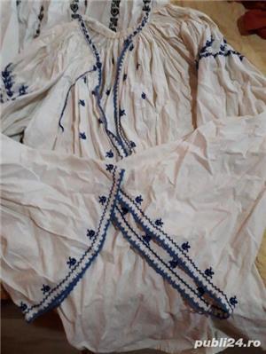 Costume populare foarte vechii  - imagine 2