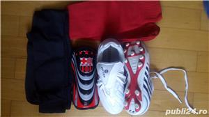 Ghete fotbal nr 35 Aparatori si Jambiere FC BARCELONA - imagine 3