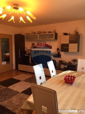 Apartament cu 3 camere decomandate in zona Selimbar - imagine 9