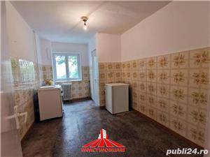 Vand apartament 3 camere UTA - Vlaicu - imagine 4
