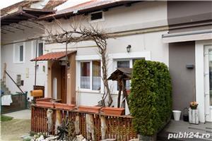 Corp casa + extra camera, cu terasa si acces auto in curte, Central, Brasov - imagine 2