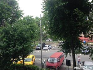 Vanzare apartament 2 camere zona Tineretului 1/4, decomandat, constr: 1985 - imagine 1