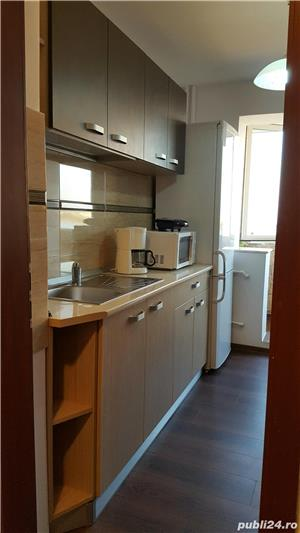 Inchiriez apartament decomandat 3 camere-vedere la mare și lac- la intrare în stațiunea Mamaia  - imagine 7