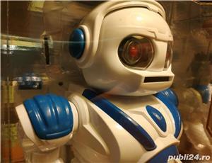 Robot NOU Space Warrior, sunete, lumini si miscare - imagine 7