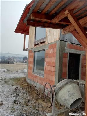 Teren intravilan de 1404 m2 + Clădire în roşu - imagine 3