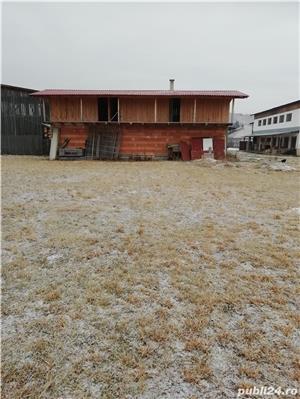 Teren intravilan de 1404 m2 + Clădire în roşu - imagine 5