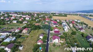 Casă / Vilă  in Miroslava , suprafata utila 298 mp , teren 934 mp - imagine 2