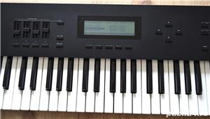 Roland A 50 Master Keyboard Controller 4 MIDI Out Polyphonic Aftertouch 2 MIDI IN Semi Weighted Keys - imagine 4