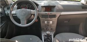 Opel Astra H GTC - imagine 4