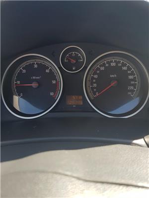 Opel Astra H GTC - imagine 5