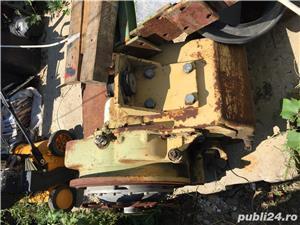 Cutie de viteza buldoexcavator - imagine 3