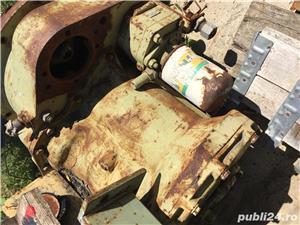 Cutie de viteza buldoexcavator - imagine 1