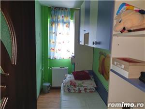 Apartament cu 3 camere, etajul 3,zona Șagului  - imagine 12