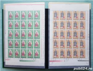 Clasor german marca Leuchtturm A4 cartonat cu timbre din România - imagine 3