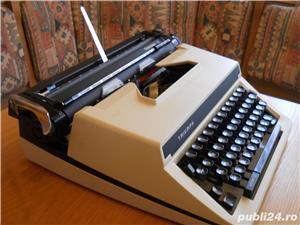 Masina de scris TRIUMPH Gabriele 12 - imagine 2