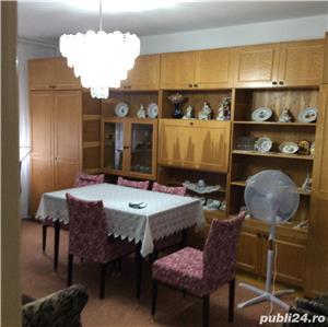 Vanzare apartament cu 3 camere Pb mare Rogerius - imagine 1