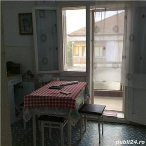 Vanzare apartament cu 3 camere Pb mare Rogerius - imagine 2