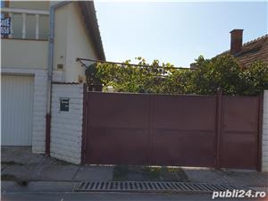 Vând două  case în aceiași curte ! - imagine 1
