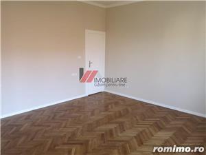 Balcescu, central, zona retrasa, 4 camere, confort lux, renovat  - imagine 11