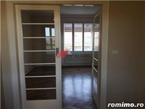 Balcescu, central, zona retrasa, 4 camere, confort lux, renovat  - imagine 8