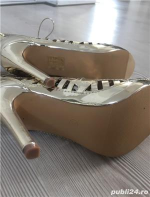 Pantofi aurii de scena, nr. 35 - imagine 2