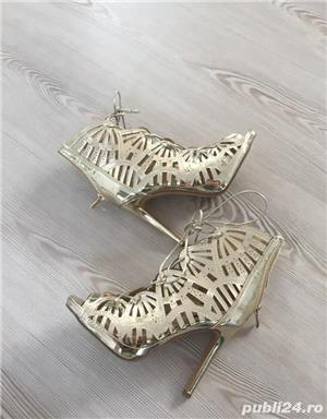 Pantofi aurii de scena, nr. 35 - imagine 5