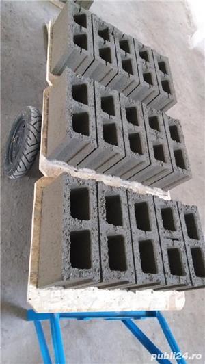 Vand boltari de beton - imagine 1