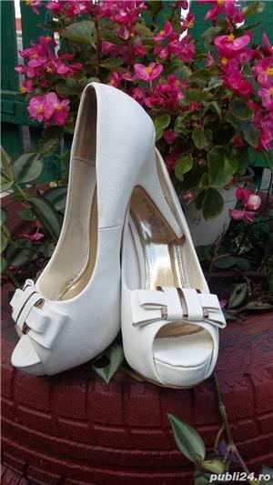 Vind pantofi mireasa marimea 40 - imagine 2