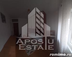 Apartament decomandat zona Lipovei - imagine 1