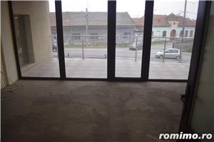 Vând clădire rezidențial-birouri P+2E+M la cheie   650euro/mp construit - imagine 6