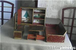 Vând: Mobilă de jucărie din lemn, 8 piese făcute manual, vechime peste 100 ani - imagine 1