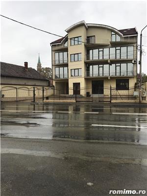 Vând clădire rezidențial-birouri P+2E+M la cheie   650euro/mp construit - imagine 1