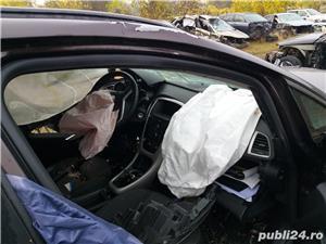 Opel Asta J - imagine 4
