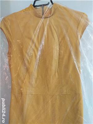 Vând rochie galbenă designer piele naturală - imagine 2